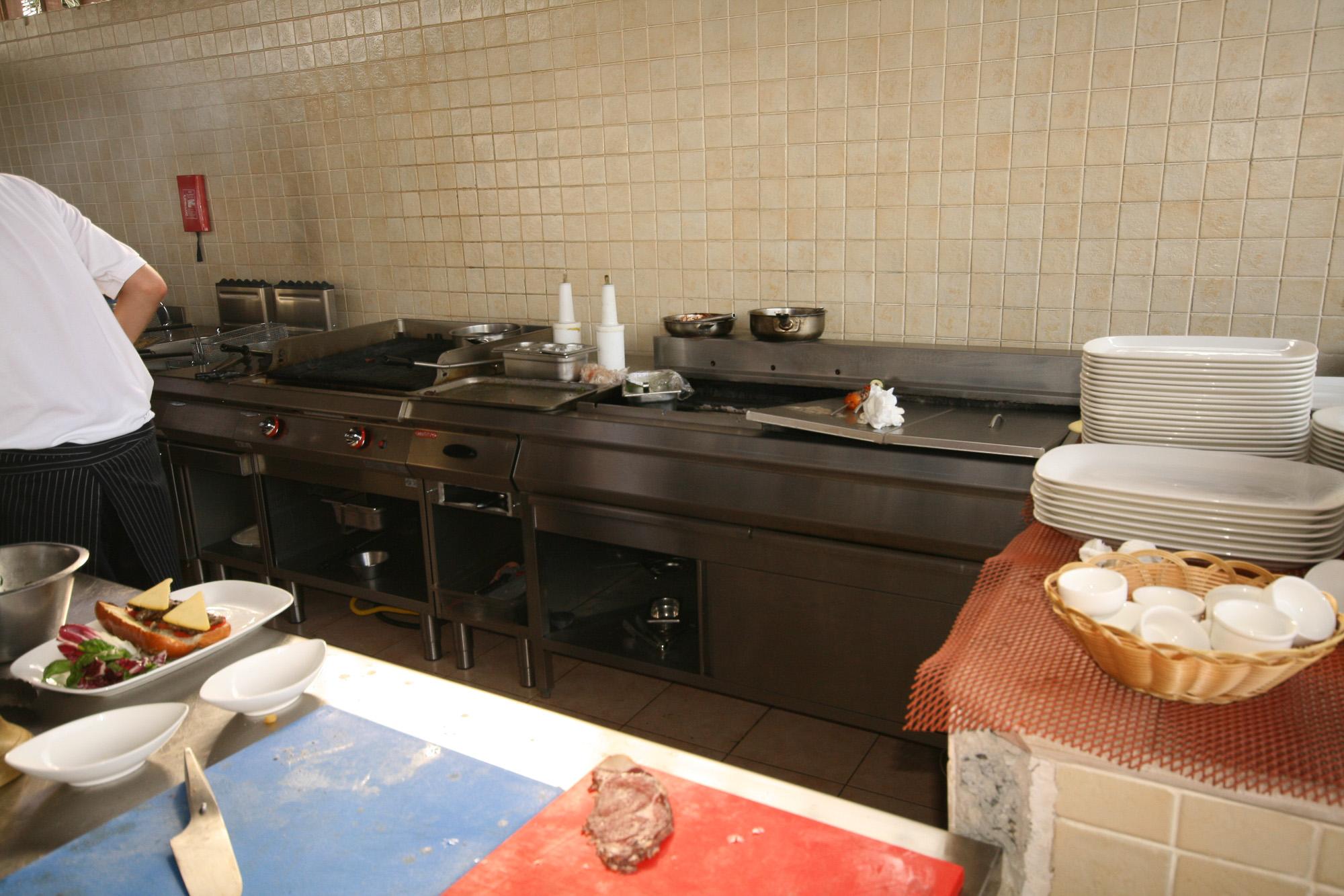 Italia_kitchen_-le_meridien_f-13