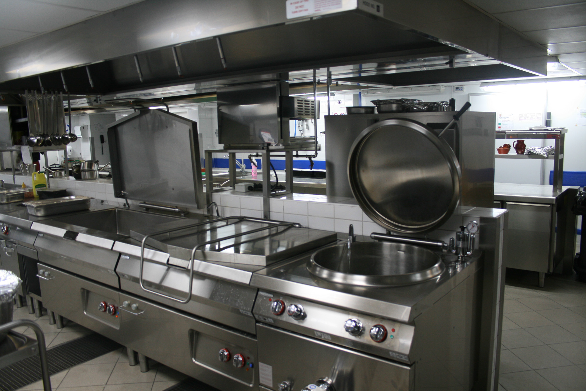 Italia_kitchen_-le_meridien_r-1