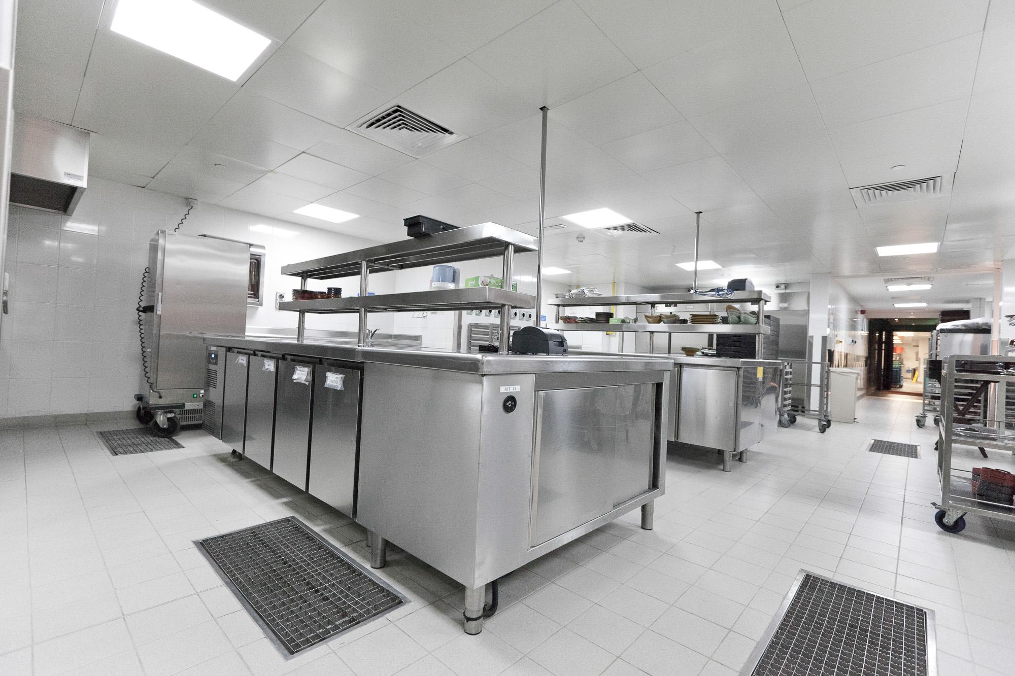 Italia_kitchen_-torotoro-2